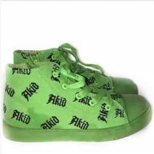 Akid Brand Green Spell Out Logo Graphic Print